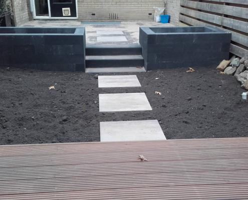 Aanleg kleine tuin in Rhenen met staptegels